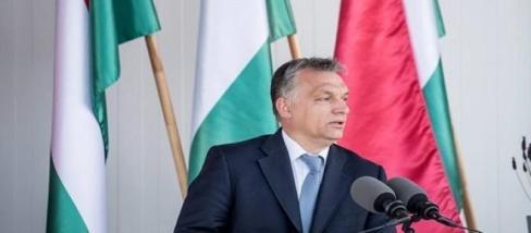 Fotó: facebook - Orbán Viktor tojást avat