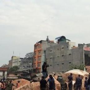 Dharara después del primer terremoto de Nepal