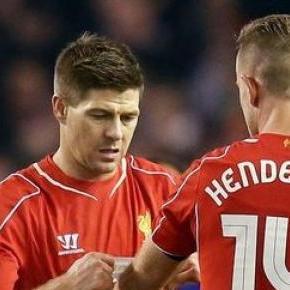 Gerrard végleg átadja a kapitányi karszalagot.