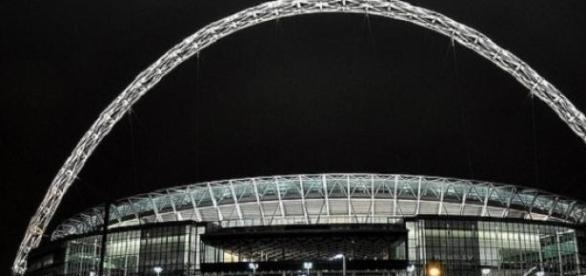 Swindon & Preston will meet in the Wembley final