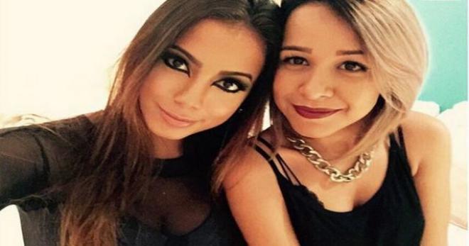 Juliana de paiva amiga de anitta posta cr tica sobre for Muralha e sua namorada