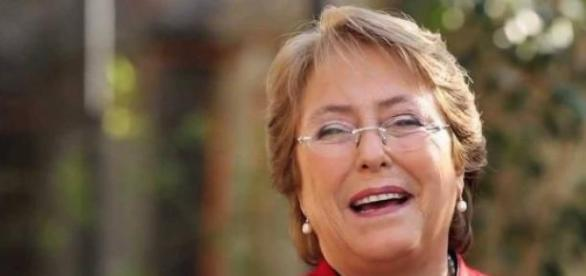 Michelle Bachelet doit écouter les étudiants.