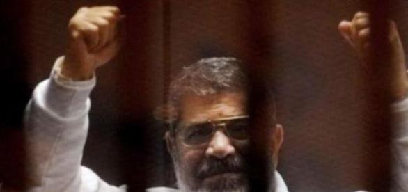 Fostul preşedinte Morsi condamnat la moarte
