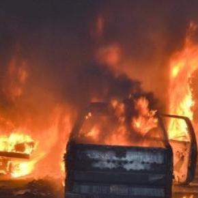 Des véhicules ont été incendiés dans tout l'État.