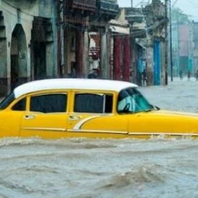 Les pluies diluviennes ont inondé La Havane.
