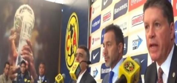 Peláez anuncia salida de Matosas del América