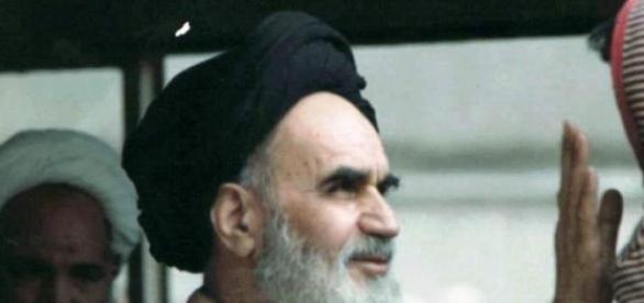 Ajatollah Chomeini: najwyższy sędzia  islamu