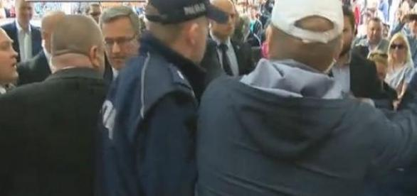 Atak na prezydenta Komorowskiego w Toruniu