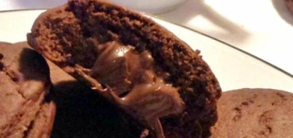 Biscotti grisbì con il cuore di nutella.