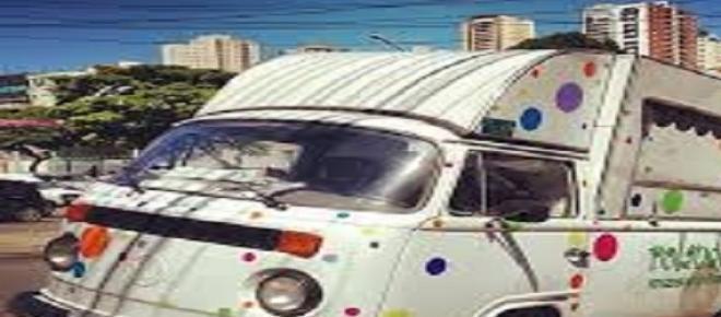Pega ladrão! Populares alertados por carro de som que persegue veiculo roubado