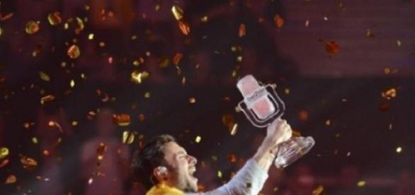 Mans Zelmerlow, zwycięzca Eurowizji 2015, kadr TVP
