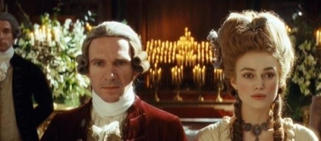 Keira Knightley és Ralph Fiennes - Devonshire hercegi párja