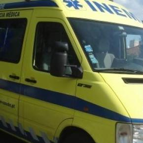 Duas viaturas do INEM deslocaram-se para a zona.