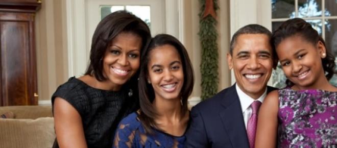 Um homem queniano revelou em entrevista que está apaixonado pela filha mais velha de Barack Obama, Mali, e que vai pedir a mão da jovem na primeira visita oficial do presidente dos EUA ao Quénia.