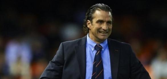 Juan Antonio Pizzi es tentado por el Independiente