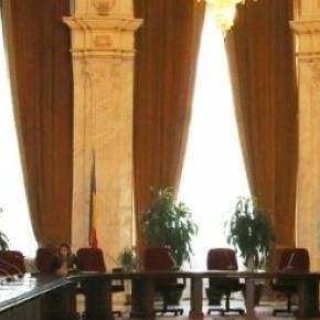 Senatul României în şedinţă pe comisii