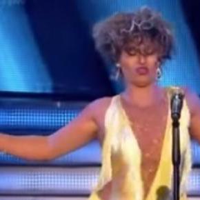 Stefano Terrazzino jako Tina Turner