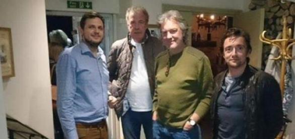 Clarkson, May i Hammond w pubie - źródło Twitter