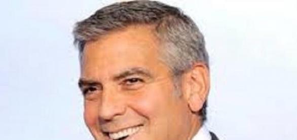 George Clooney lefegyverző mosolyáról is híres