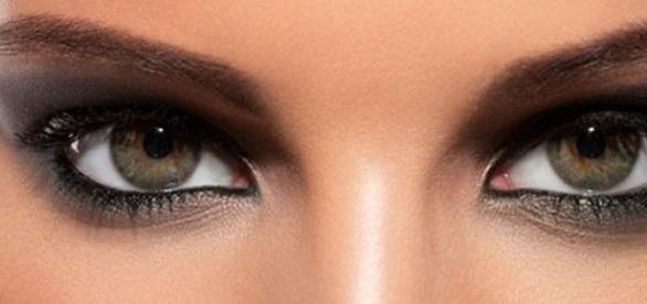 Rólad mit árul el a szemed színe?