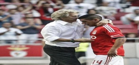 Jorge Jesus e Maxi Pereira.