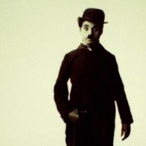 La statue de Charlie Chaplin s'anime à Colmar!