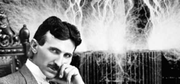 Nikola Tesla egy elektromos sokkolóval