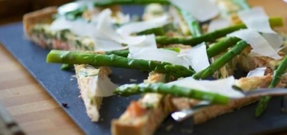 Verdure di stagione: come cucinare gli asparagi