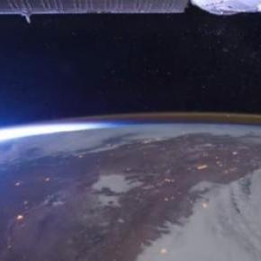 Widok Ziemi z satelity (źródło: YouTube)