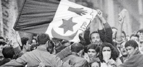 Manifestation nationaliste à Sétif, le 8 mai 1945.