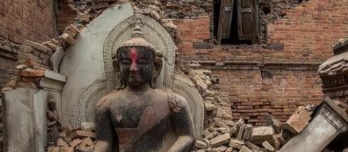 Nepáli földrengés és pusztítás