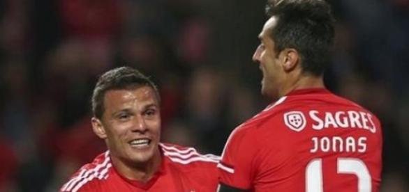 Lima e Jonas voltaram a brilhar com golos