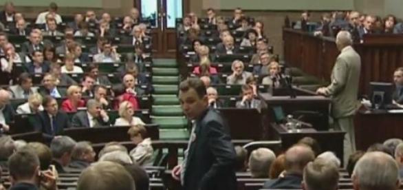 Nowy sondaż Millward Brown: PiS ma 25% poparcia