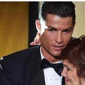 Cristiano Ronaldo z matką