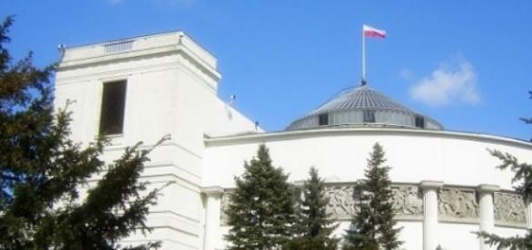 Sondaż TNS Polska: PiS przed PO, Kukiz na podium