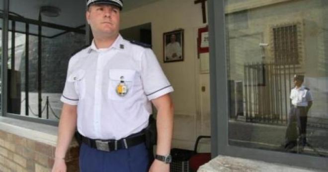 secondo lavoro per poliziotti