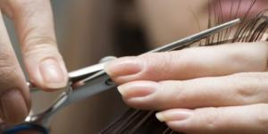 Obetnij włosy i wesprzyj chorych na raka!