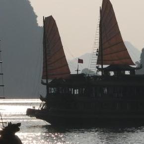 Wietnamskie dżonki na morzu Południowochińskim