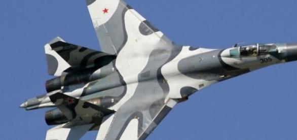 Avionul de vânătoare rusesc SUHOI-27