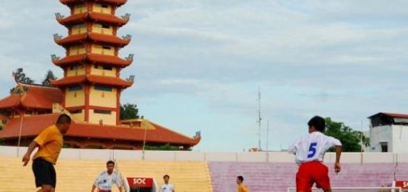 Wietnamscy piłkarze protestują przeciwko Chinom.
