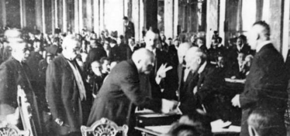 Semnarea Tratatului de la Versailles