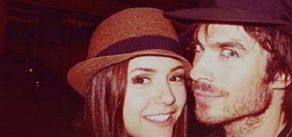 Vampire Diaries: Nina Dobrev und Ian Somerhalder.