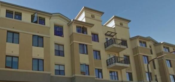 Balconul înainte de prăbuşire - Google street