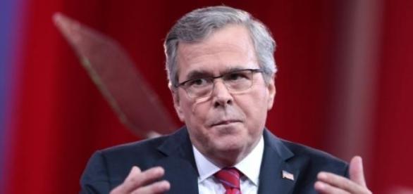 Джеб Буш во время конференции в Мэриленде