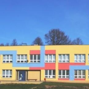 Jedna z gminnych szkół w Polsce