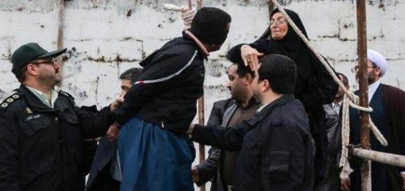 Islamiści publicznie mordują.