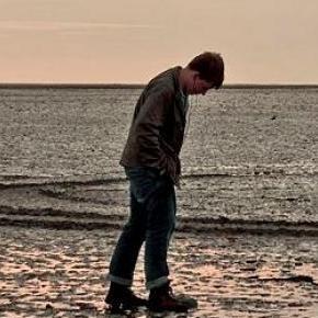 Osamotnienie przyczyną samobójstw, f.Bert Kaufmann