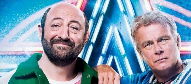 BIS est un film de Dominique Farrugia qui nous plonge quelques années en arrière, en 1986 plus exactement, les deux personnagesprincipaux sont interprétés par deux comédiens de talent:Kad Merad et Franck Dubosc.