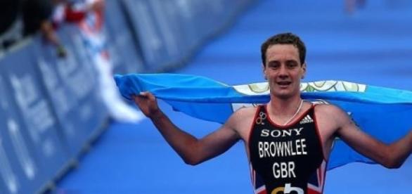 Alastair Brownlee winning in London