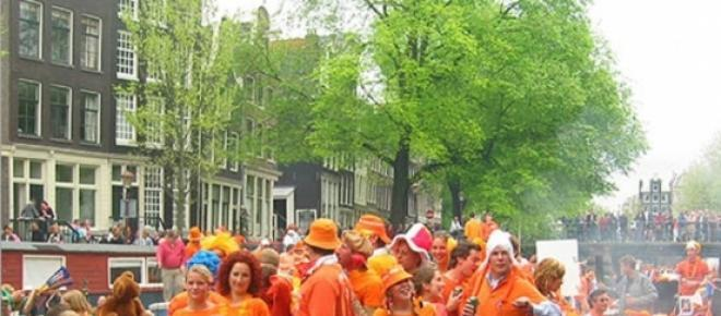 Amsterdam dusi się własną popularnością
